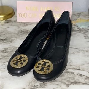 Toryburch heels size 8 color black